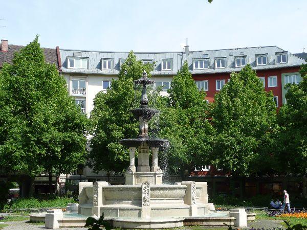 Am Weißenburger Platz