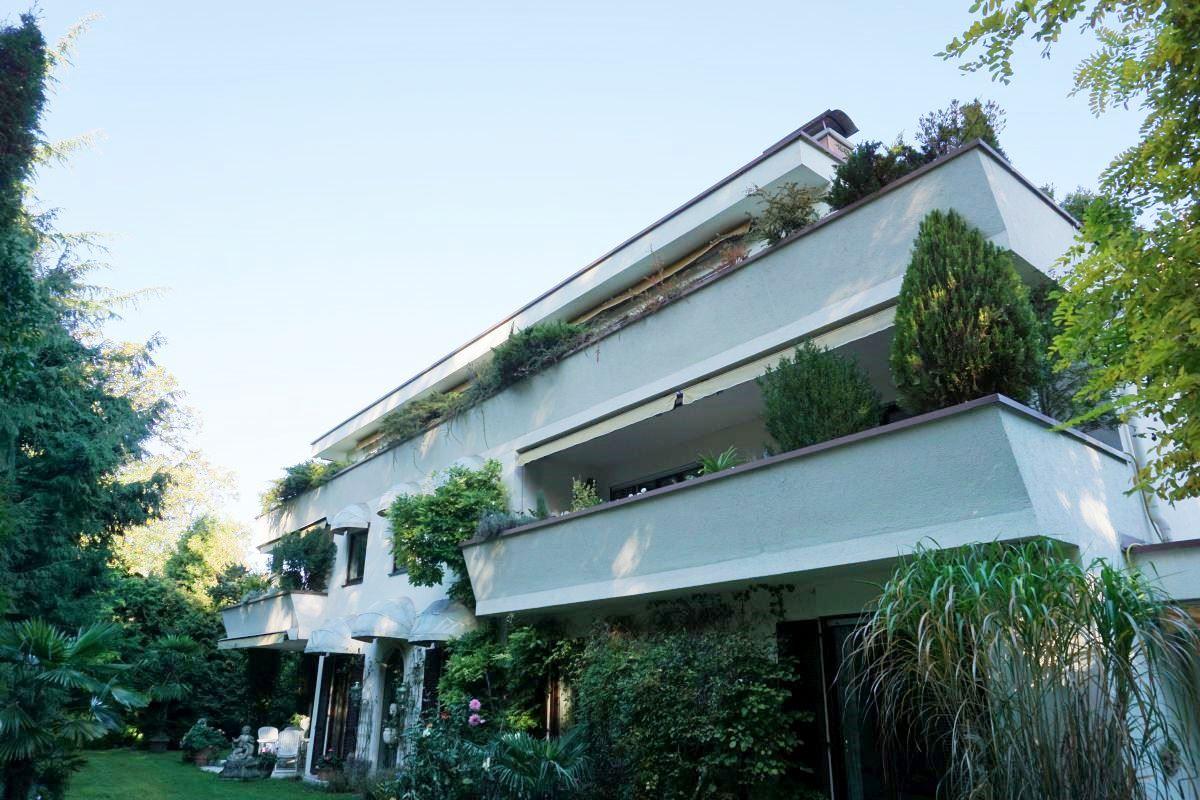 4 Zimmer Wohnung Mit Offenem Kamin In München Solln Nähe Großhesselohe